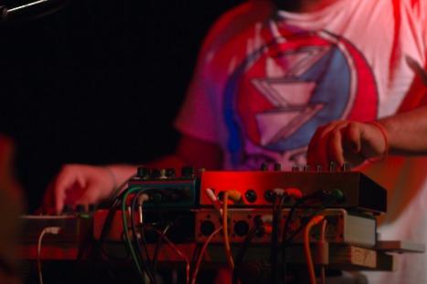 Helado Negro on keyboards.